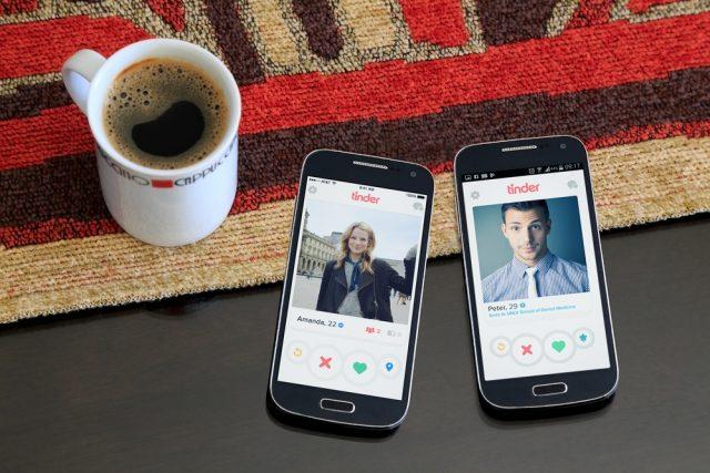 Ako nám aplikácie na zoznámenie bránia v hľadaní lásky