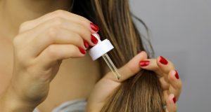 Ako oživiť suché vlasy