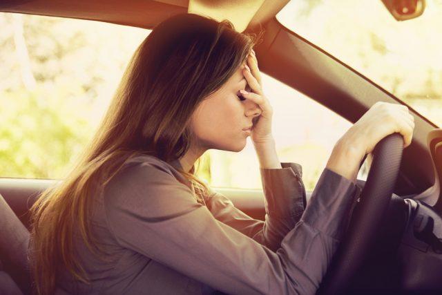 Ako postupovať, keď ťuknete cudzie vozidlo pri parkovaní